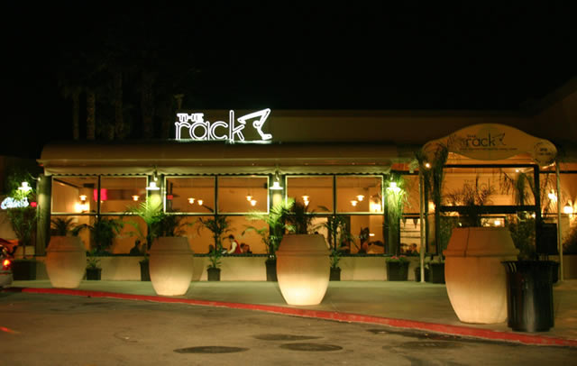 Restaurant patio retractable cover