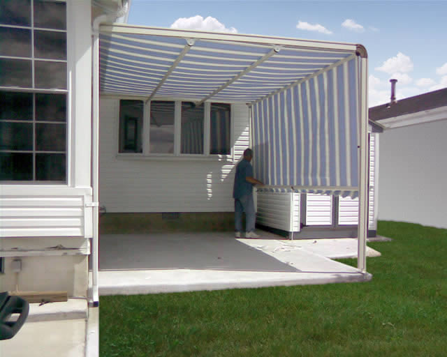 Litra Retractable Awnings